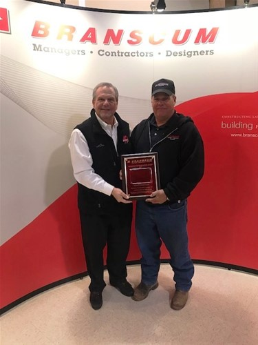 2017 associate of the year award